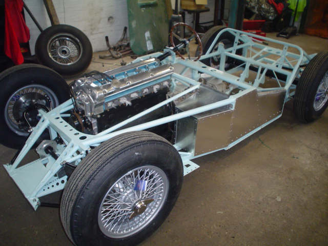 rolling$2520chassis$2520panelled$25202.jpg